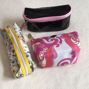 Three cosmetic bag bundle 2 Soho 1 breast cacner🌷